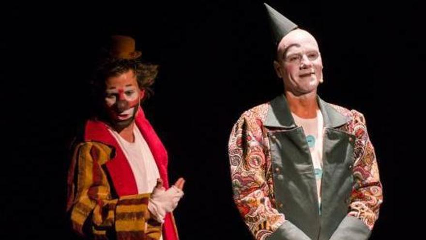 Clownbaret cierra su edición más difícil llevando sus risas hasta el barrio de Ofra