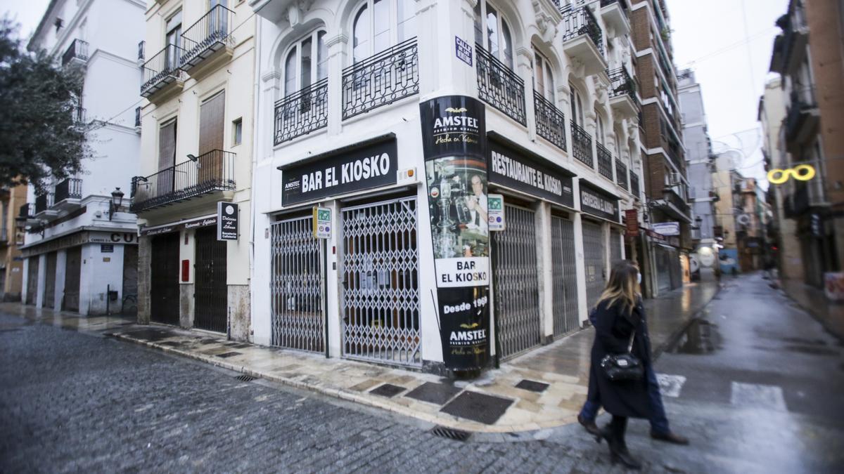 Bares cerrados en el centro de València