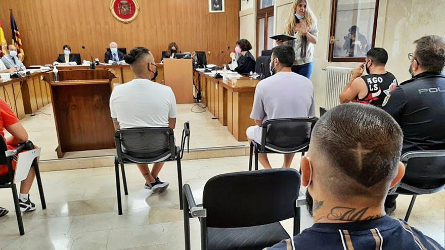 Diez de la docena de narcos de sa Penya de Ibiza admiten sus delitos en la Audiencia de Palma