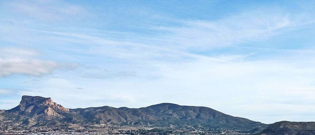Panorámica del polígono industrial Campo alto, en el municipio de Elda.   ÁXEL ÁLVAREZ