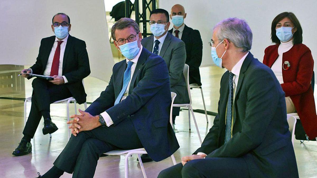 Feijóo y Francisco Conde, con José González y Ángeles Vázquez, en la comisión Nex Generación.