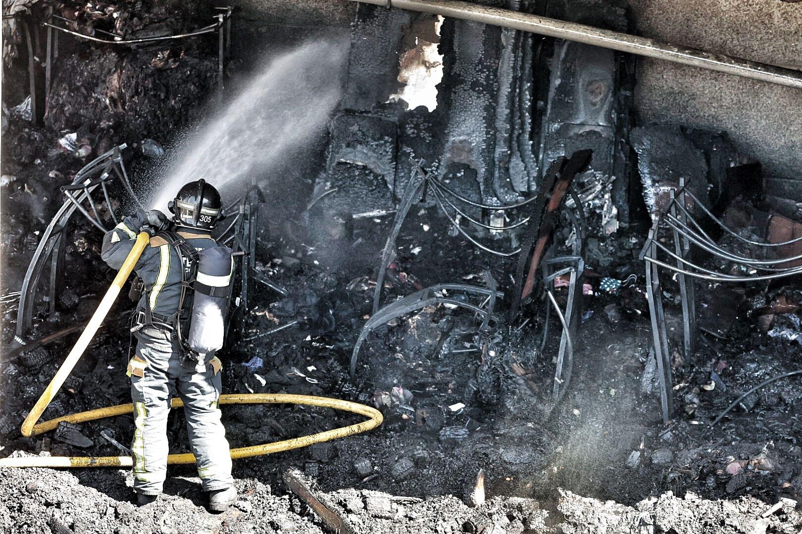 Incendio en una nave de Añaza