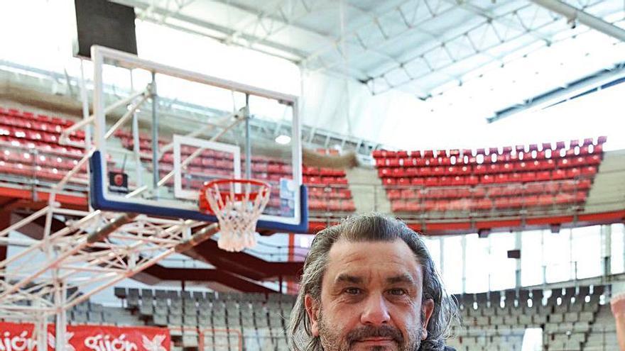 """El lamento del entrenador del Círculo Gijón por el ajuste del calendario: """"Es un despropósito"""""""