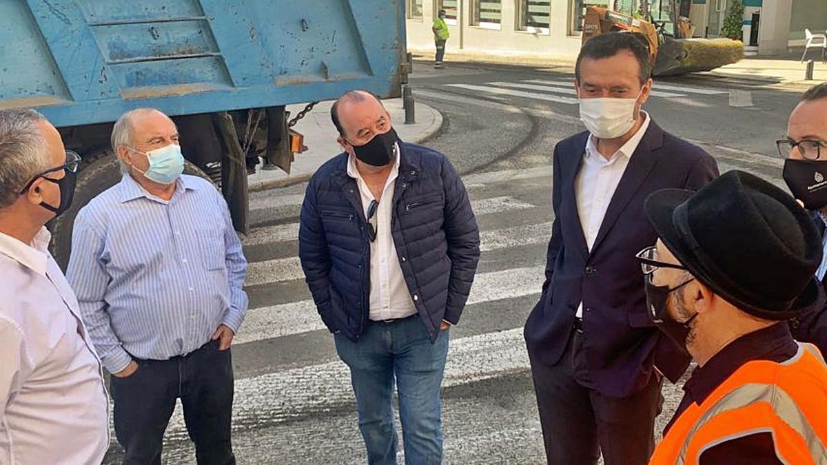 La inversión en asfalto  llega a la pedanía de El Altet | INFORMACIÓN