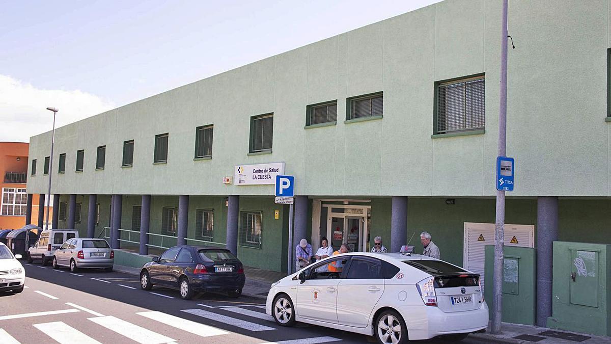 El Centro de Salud de La Cuesta, a la entrada de Salud Alto-El Rocío | | DELIA PADRÓN