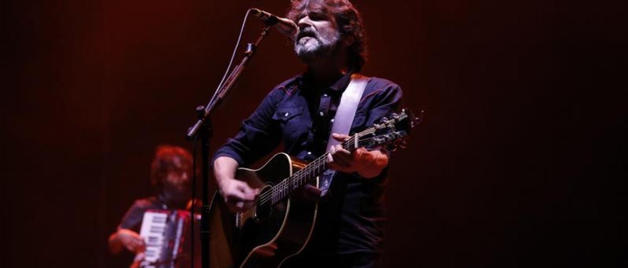 Quique González, en un concierto en Gijón. | Ángel González