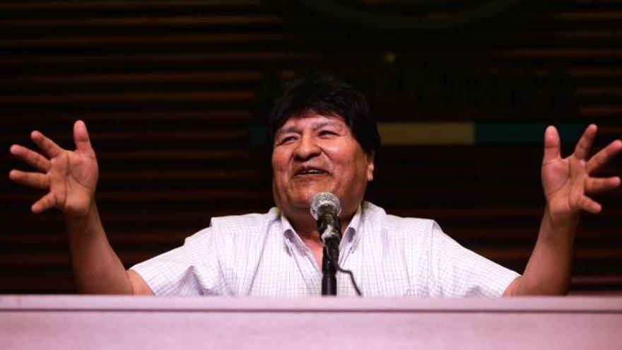"""Evo Morales asegura que """"antes o después"""" volverá a su país"""