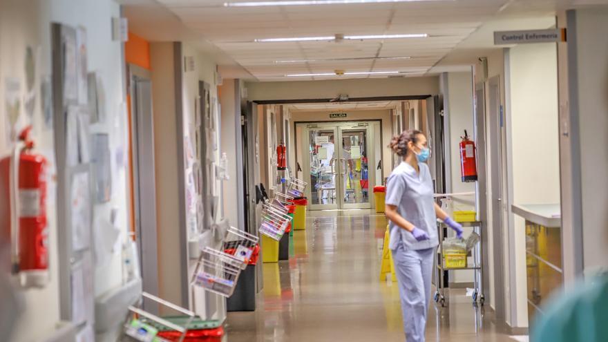 El Hospital de Torrevieja asume 137 pacientes covid con un aumento de 17 ingresados en 24 horas