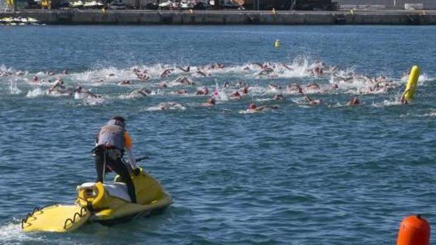 La travesía a nado más antigua de España