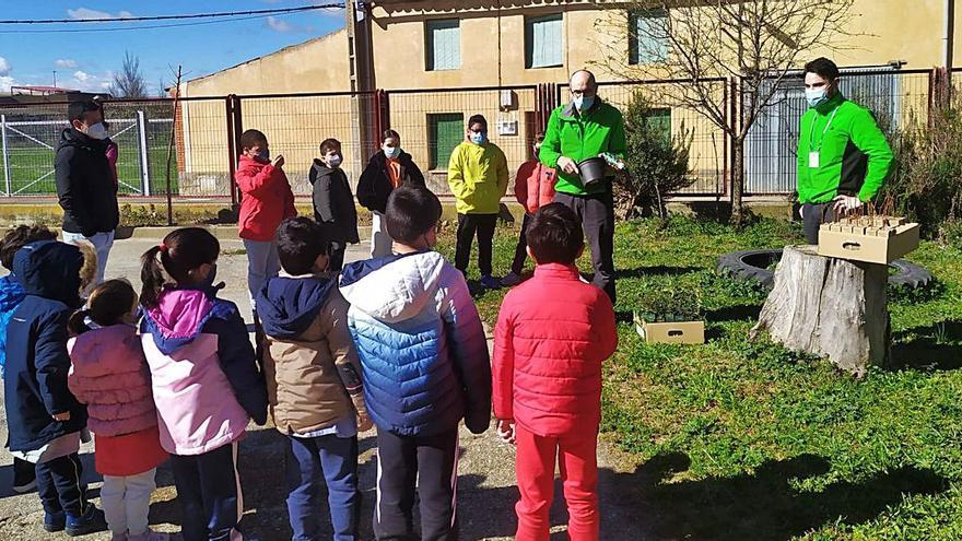 Escolares de Vezdemarbán aprenden a proteger el medio ambiente