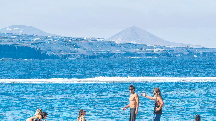Canarias, abierta al turismo en Semana Santa