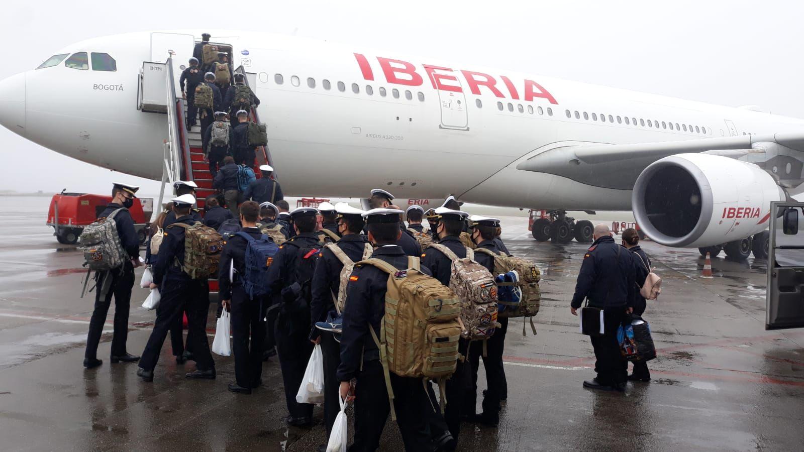 Airbus 330 que transportó a Ecuador a los guardamarines de la Escuela Naval de Marín. // Iberia