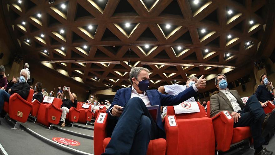 "Zapatero insta a analizar si el PSOE influye a Podemos ""o viceversa"""