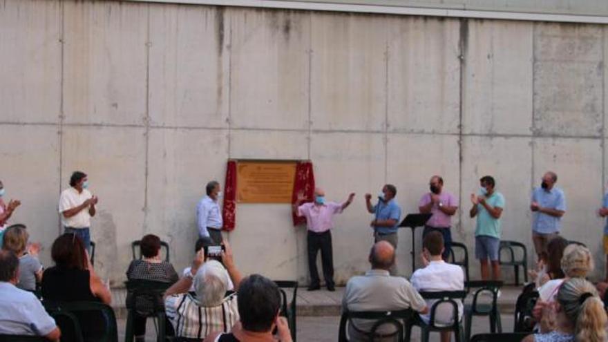 Sant Joan honora a sus «tres ciclistas»