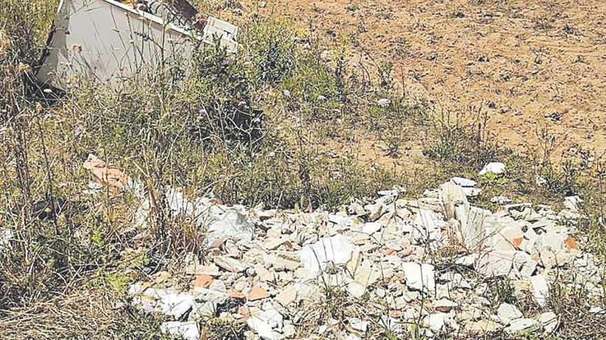 UIM denuncia vertidos en la zona de Son Bosc y Son Sant Martí