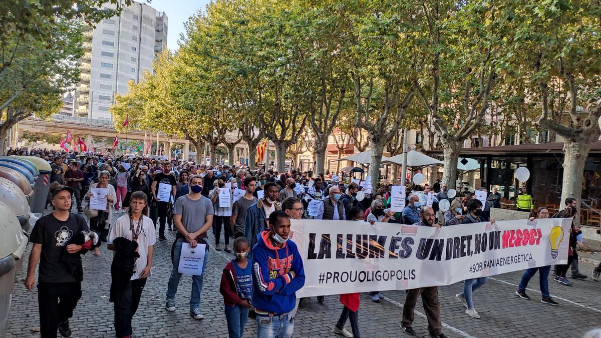 Protesten a Girona contra el model energètic
