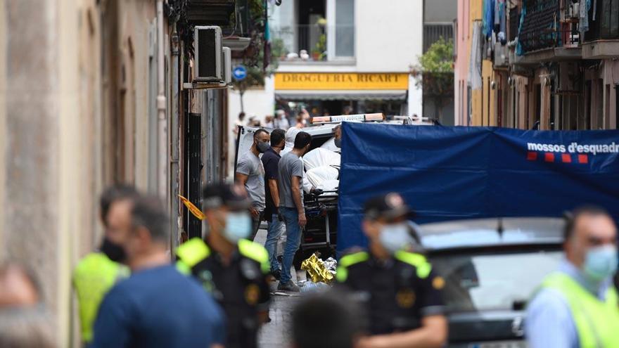 Tres muertos y un herido crítico en un incendio en la Barceloneta