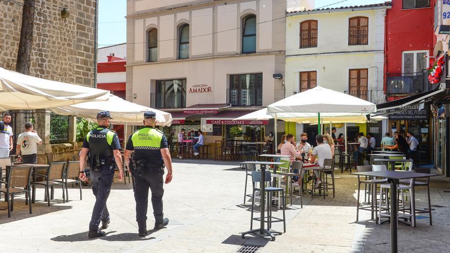 Plasencia lleva tres años sin pagar a policías locales foráneos