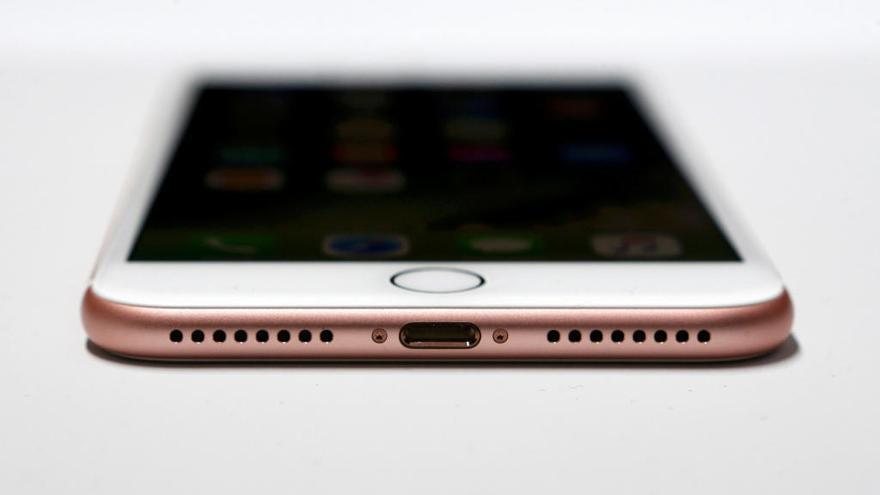 ¿Prepara Apple la carga inalámbrica para el iPhone 8?