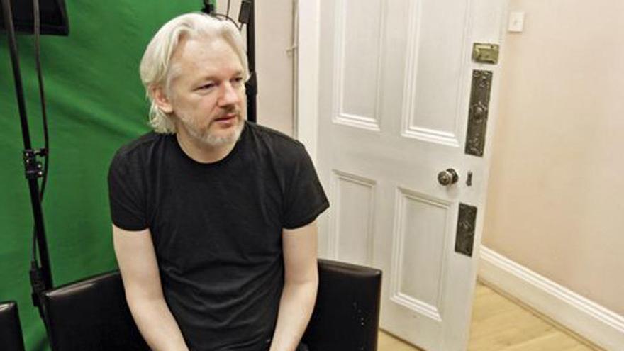 La Justicia británica niega la petición de liberar a Assange bajo fianza por el coronavirus