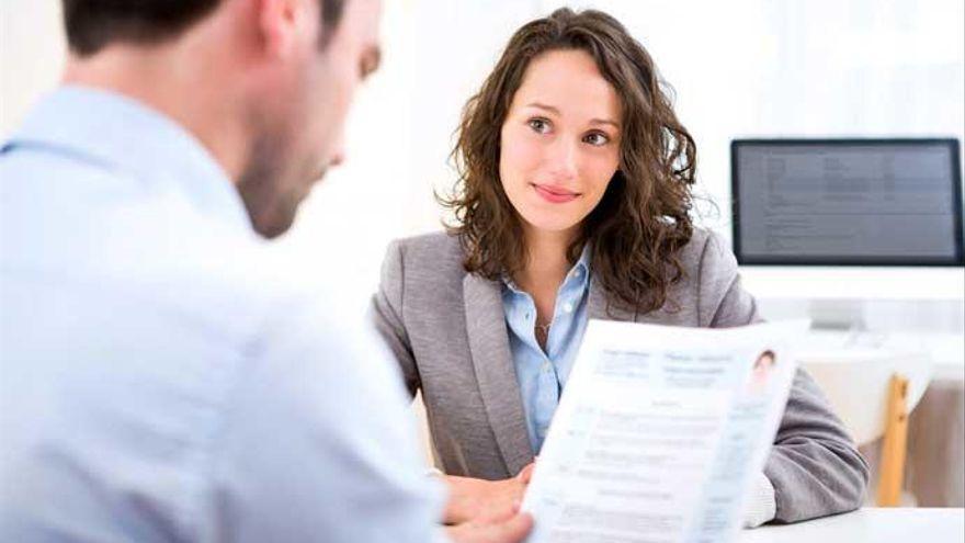Pierde un empleo por tratar mal a la recepcionista al acudir a la entrevista de trabajo