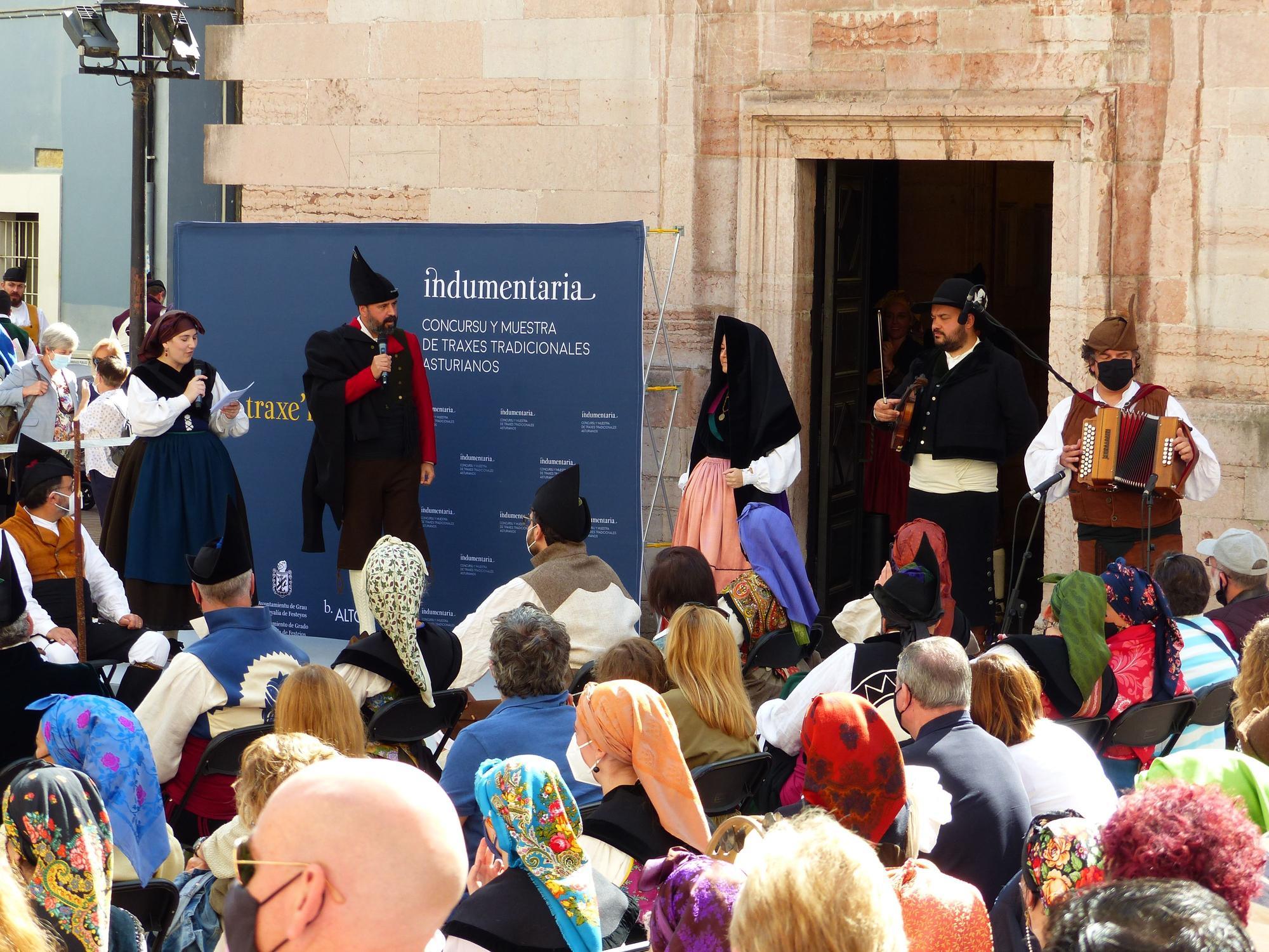 Pasarela de lujo en Grado por el Día'l traxe'l país