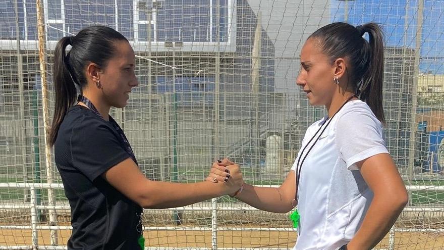 Las gemelas González, pasión por el fútbol desde la cantera