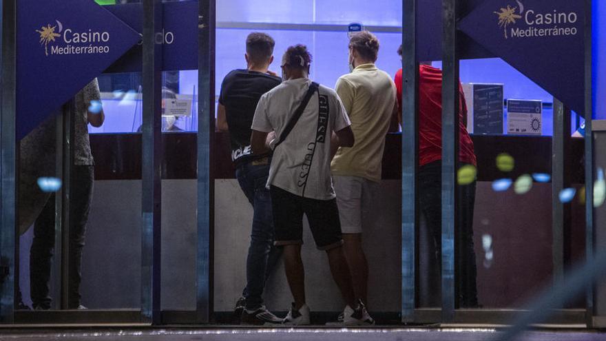 Casinos y bingos «escapan» a las restricciones del Consell: se puede jugar hasta la madrugada