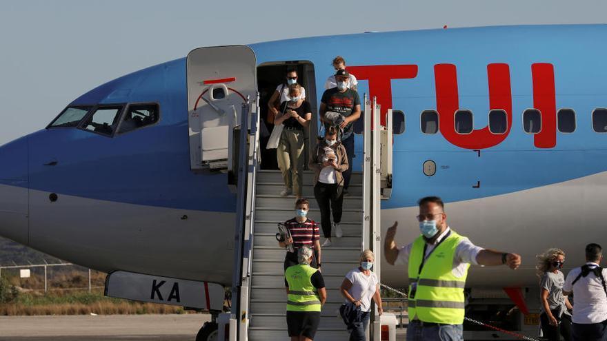 TUI cancelará los paquetes de viaje a España salvo Canarias