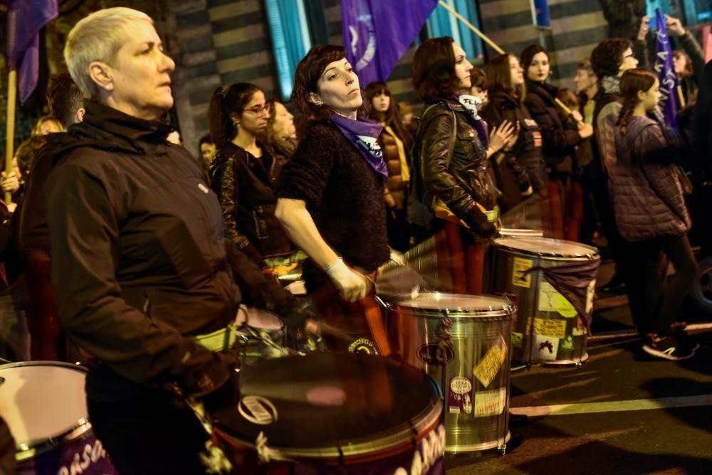 Miles de manifestantes en Bilbao contra la ...