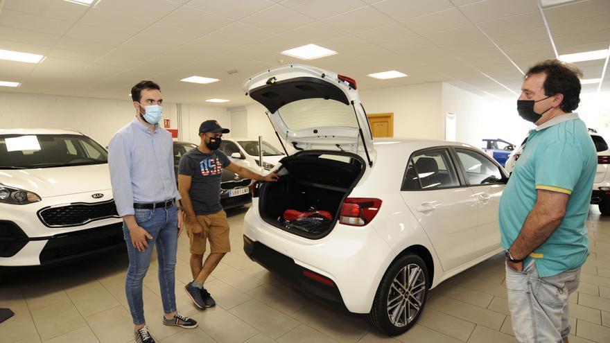 Los concesionarios auguran un aumento de la venta de autos híbridos y eléctricos
