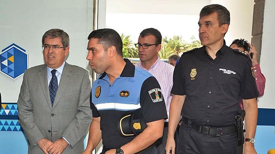 Una sentencia emplaza a revisar la elección del jefe de policía del Sur