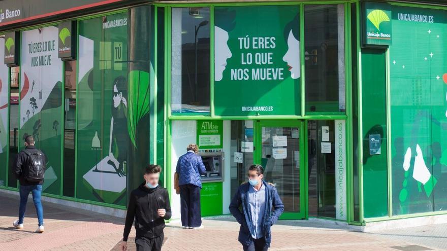 Unicaja Banco y sindicatos se citan el martes para continuar la negociación
