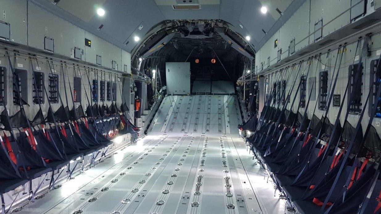 bodega del avi�n A 400-M del Ej�rcito del Aire Alem�n.jpg