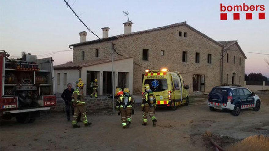 Dos ferits molt greus en l'explosió d'una masia a Corçà