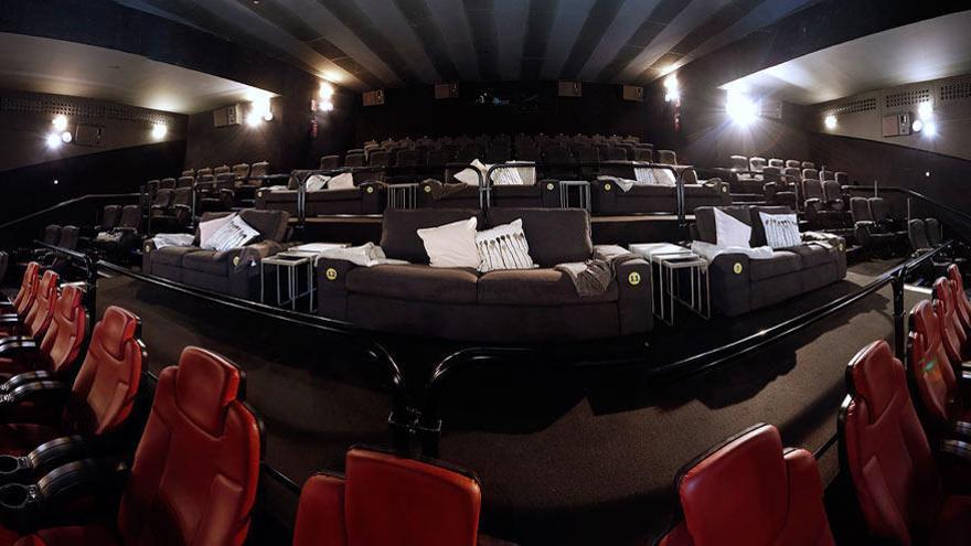 Ikea lleva el salón al cine en Murcia