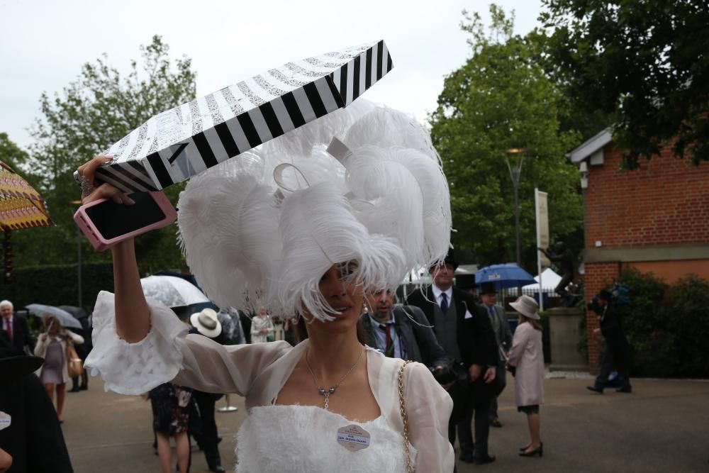 18/06/2019. Ascot, United Kingdom: Racegoers on ...