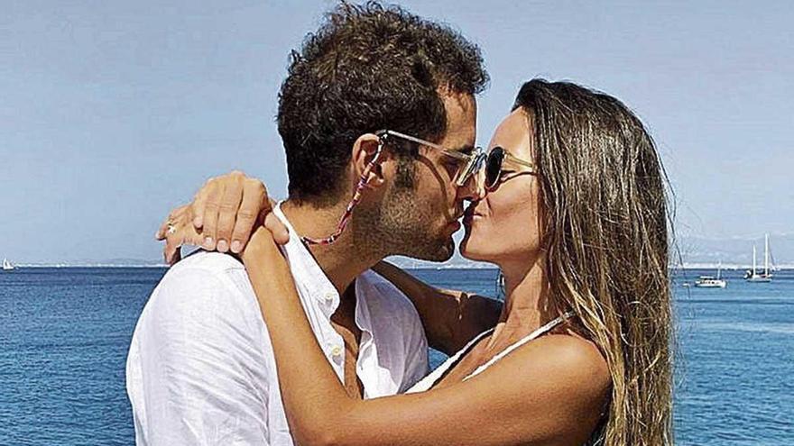Malena Costa y Mario Suárez, amor y relax en Mallorca