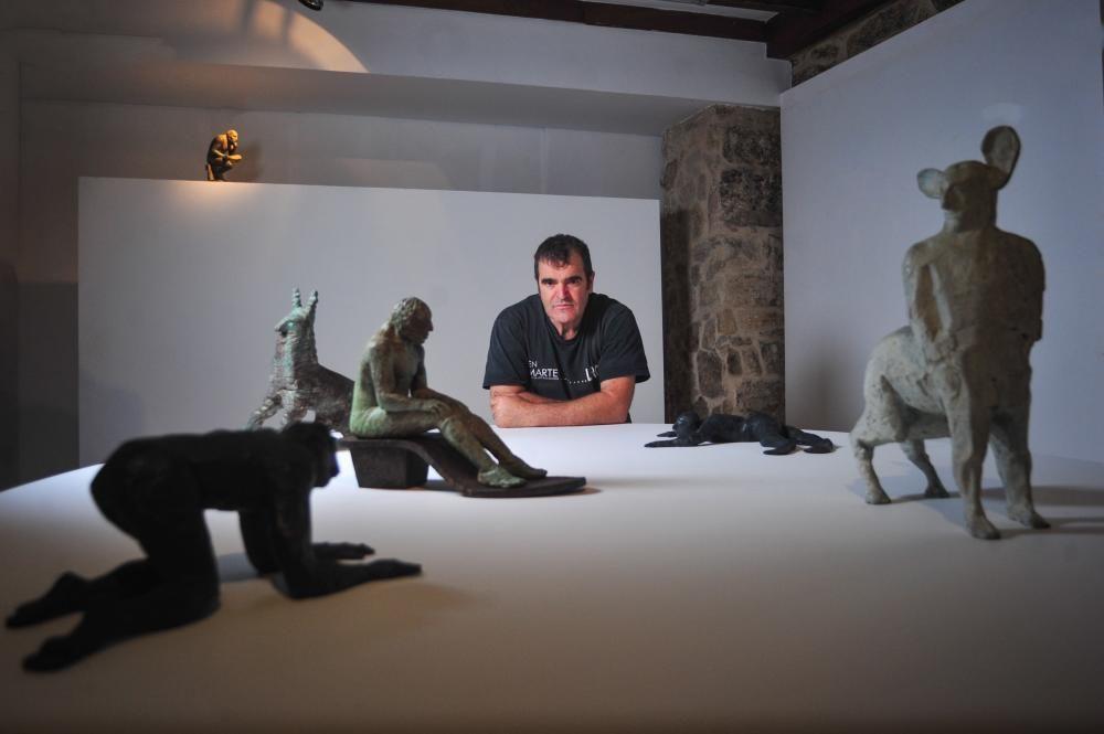 La exposición de Paco Leiro en el Pazo Torrado. / Iñaki Abella