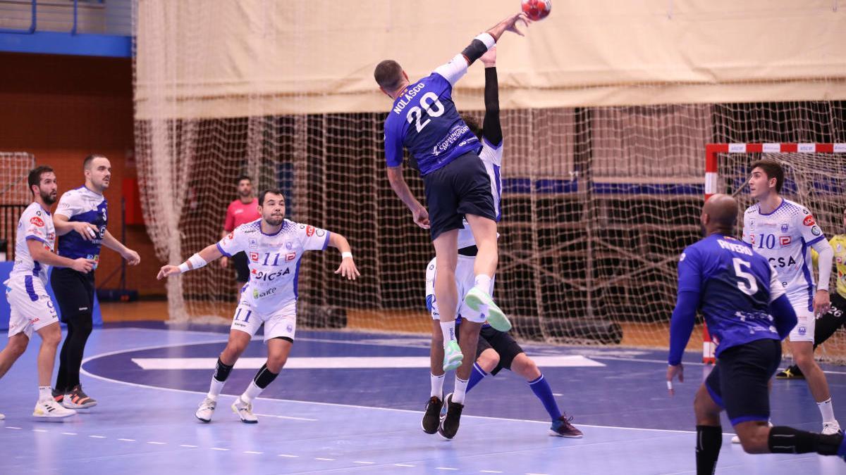 El BM Benidorm, a ganar en el penúltimo desplazamiento de la temporada