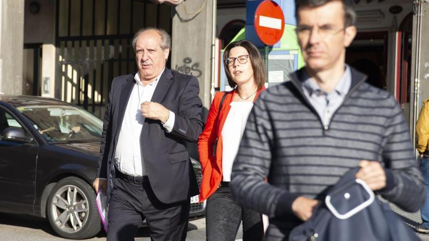 Fiscalía mantiene un año y seis meses de cárcel para el alcalde de Cerceda