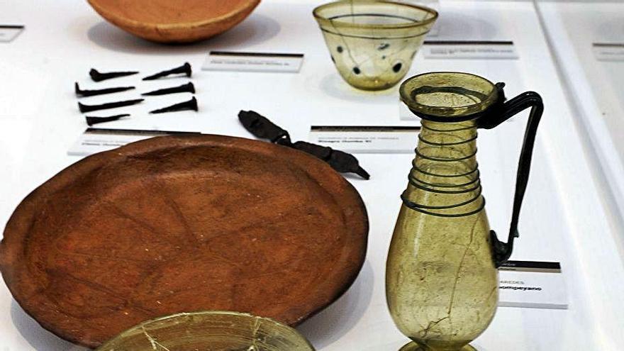 Algunos de los elementos hallados en el yacimiento, ahora en el Museo Arqueológico. | Nacho Orejas