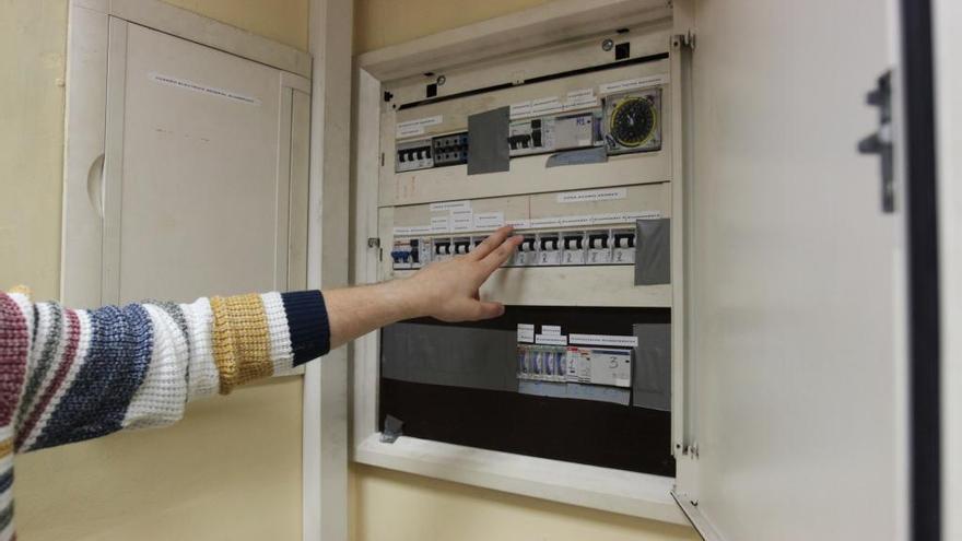 Un año de cárcel para dos comerciales de una eléctrica gallega por cambiar el contrato de clientes sin su consentimiento