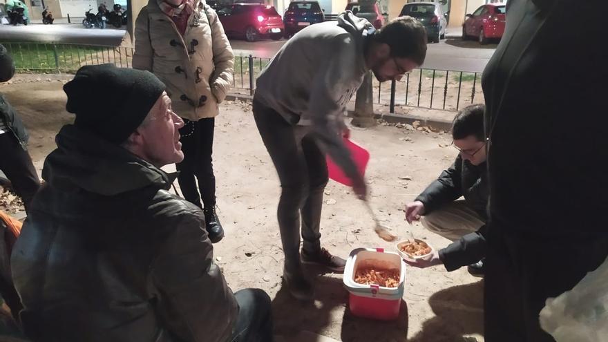 El periódico del Vaticano refleja el trabajo de la diócesis de València en la lucha contra la pobreza