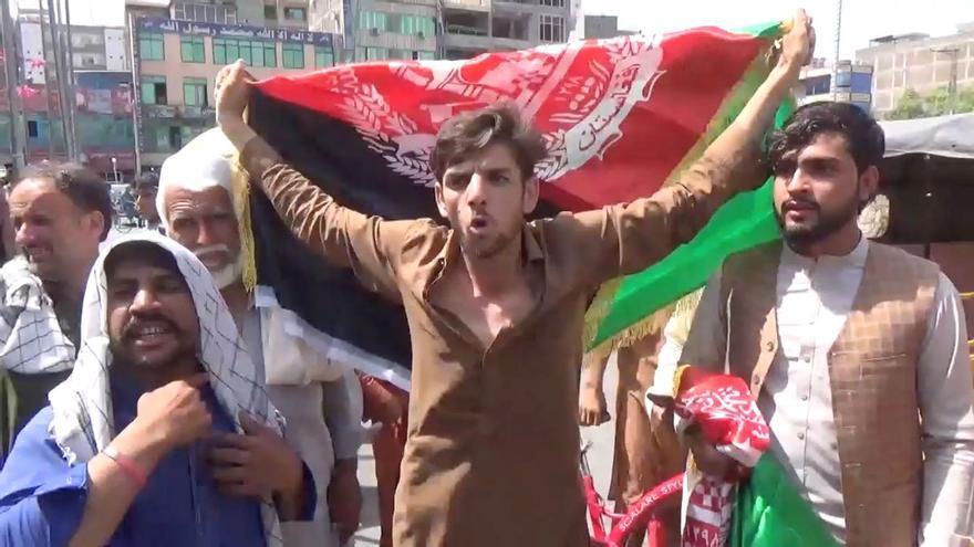 Els talibans reprimeixen amb violència la contestació al seu nou règim
