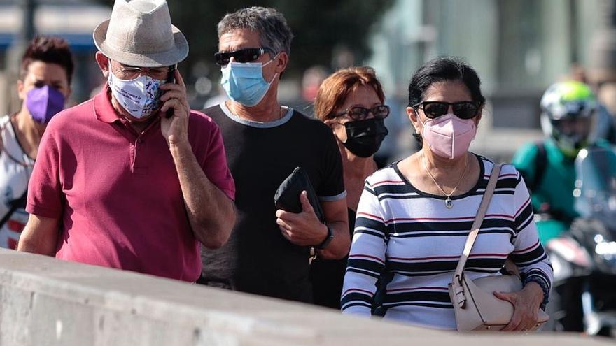 Canarias encadena 26 días con menos de cien contagios diarios de covid-19