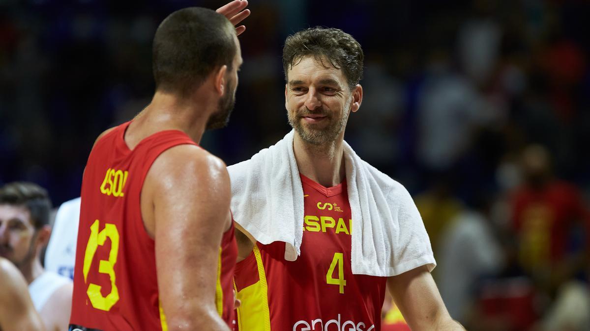 Marc Gasol y Pau Gasol con la selección española de baloncesto.