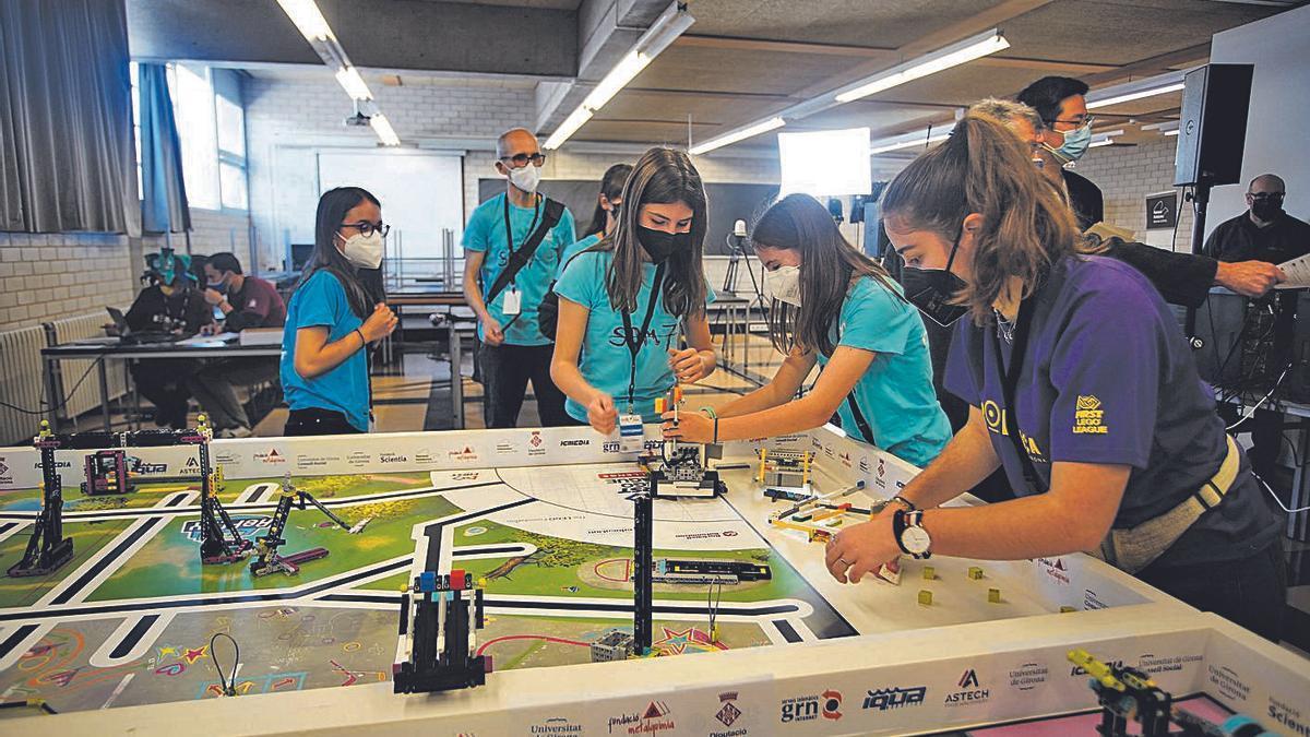 La fase local de la FIRST LEGO League es va fer a l'Escola Politècnica Superior de la UdG.  | MARC MARTÍ