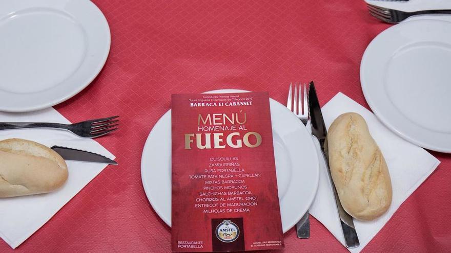 Homenaje gastronómico al fuego en la comisión ganadora del 'Premi Amstel unes Fogueres de Categoría'