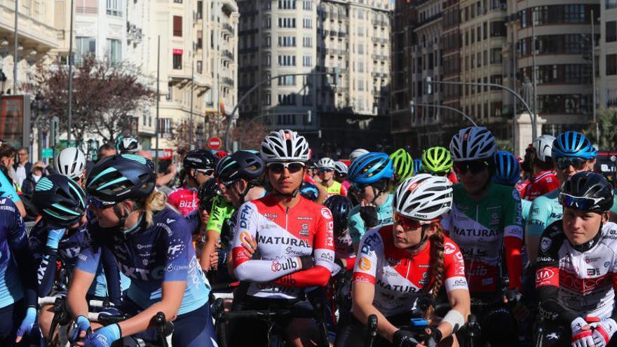 Van der Broeggen llega líder a la última etapa